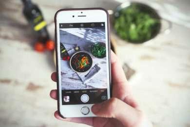 phone to food app feeling good