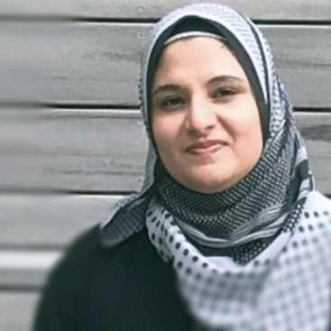 Arjumand Khan - science communicator