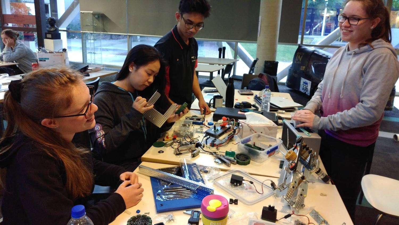 STEM societies and clubs - Curtin Robotics