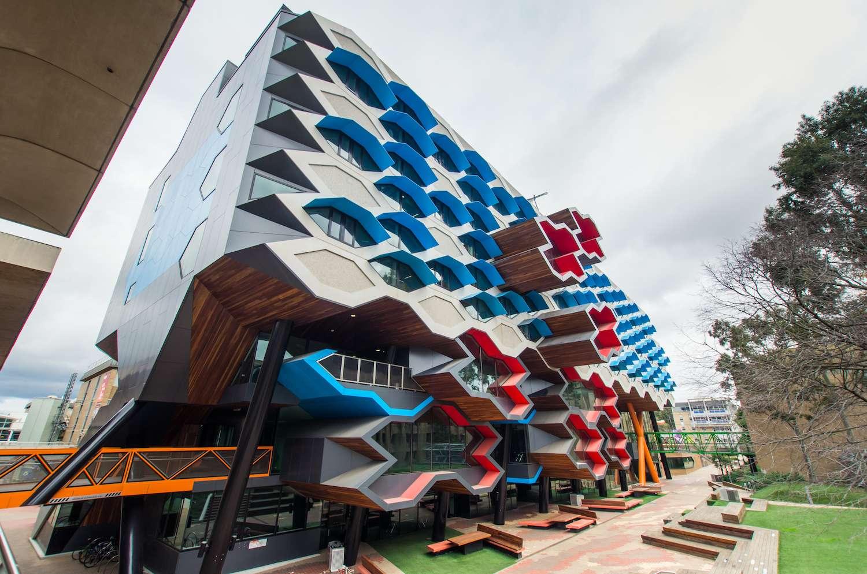 top STEM universities in Australia - La Trobe